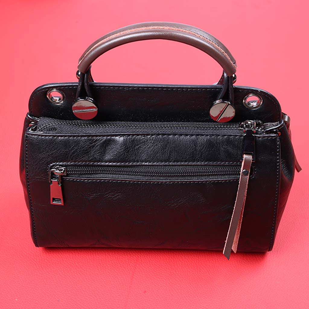 b6b73413d93 New Model Hand Purse In Black Color For Ladies